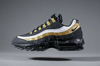 sale retailer 8bf6a 28856 Nike Air Max 95 OG black gold
