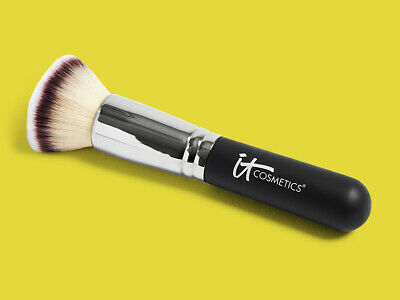 IT COSMETICS Heavenly Luxe Flat Top Buffing Foundation Brush #6