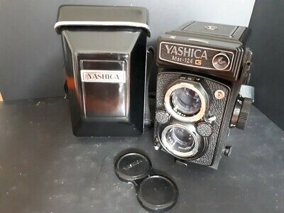 Yashica Mat-124G vintage camera. Nice collector's piece. With case. Good cond.