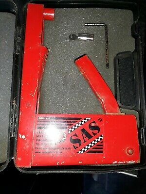Sas wheel clamp