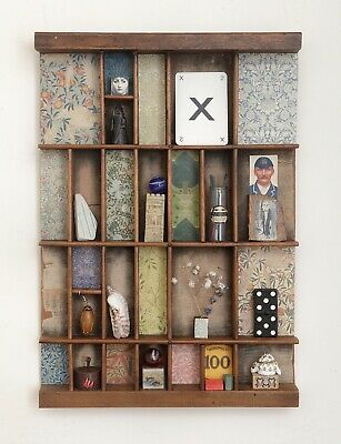 Small Printers Tray William Morris Themed Artwork with Small Collectables