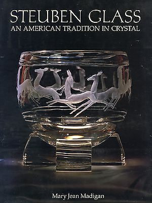Steuben Glass Crystal (2,340 Photos / 1,166 Line Drawings) / Identification Book