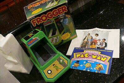 COLECO FROGGER IN BOX  Vintage Tabletop Electronic Handheld Video Arcade Game