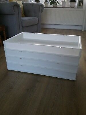 Stacking Cake/bread Trays - White Plastic x 10 Trays