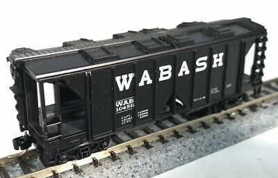 N Scale Arnold 5301 Covered Hopper Car Wabash 10455 (MINT) w/MTL Couplers