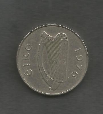Florin  Two Shillings or 10p Salmon & Éire  Year 1976