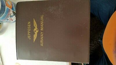 JEPPESEN AIRWAY MANUAL WITH DIVIDERS - 1982, vintage