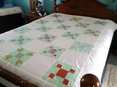 """Vintage Quilt Top Farmers Daughter Floral Patches on Mint Green  72""""x92"""""""