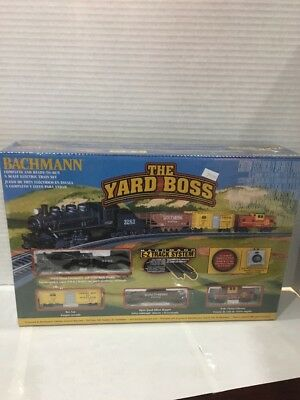 The Yard Boss Bachmann N Scale Starter Set 0-6-0 Loco With Boxcar, Hopper & Cabo