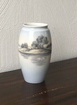 Beau vase Porcelaine ROYAL COPENHAGUE Bing Grondahl