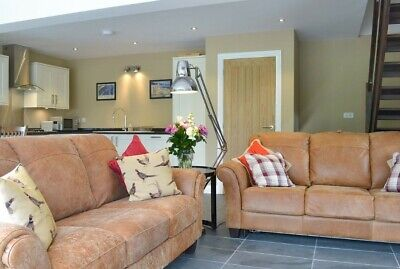 Luxury Somerset Lodge - Fri 22nd Feb to Mon 25th Feb - For up to 4 people