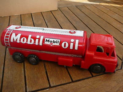 camion MOBIL OIL made in japan