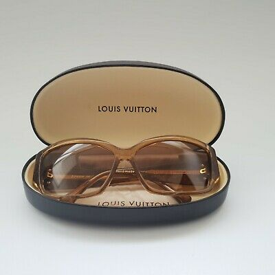 b57762bf7f3 LOUIS VUITTON Ursula Women Sunglasses Gold Speckling Acetate Frame Model  Z0100W