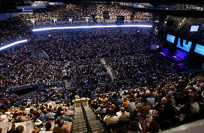 Berkshire Hathaway tickets 2019 - 2 Annual Meeting Credentials & Guide Book
