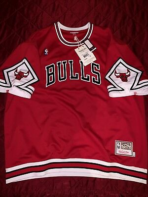 1d002ad69 Mitchell   Ness Chicago Bulls 1987-88 HWC Authentic Red Shooting Shirt 56  3xl