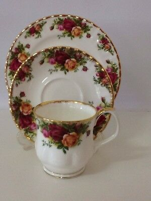 LARGE Royal Albert Old Country Roses Trio / Made In England / Mint Con