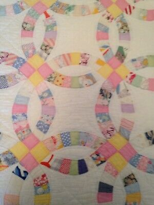 American Antique/Vintage Hand Stitched Double Wedding Ring Quilt