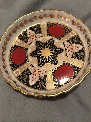 Pin Dish  Chrysanthemum Abbeydale