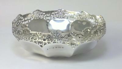 Antique hallmarked Sterling Silver Bonbon / Trinket Dish – 1919  (71g)