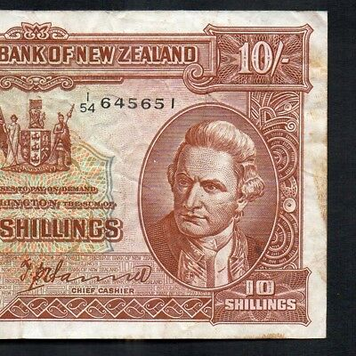 New Zealand 1940-55 T.P.Hanna 10 Shillings Banknote - number over Date type