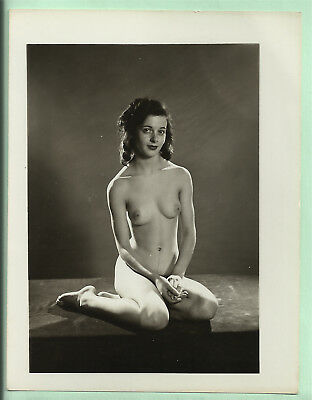 Original French vintage black and white photograph art nude study 1950s #515