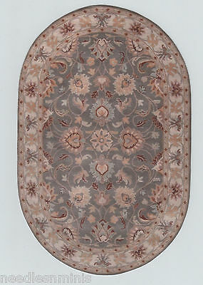 "1:12 Scale Dollhouse Round Area Rug 0001011 - approximately 5 7/8"" x 9"""
