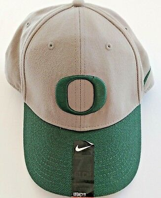 02276188e6f Nike Oregon Ducks HAT 7 5 8 61cm Fitted Legacy91 BRAND NEW AUTHENTIC NIKE