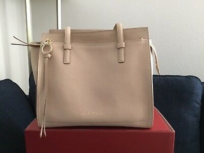 eeb1033cc7 SALVATORE FERRAGAMO Amy Medium Leather Shoulder Bag In New Bisque Beige   1250🌹