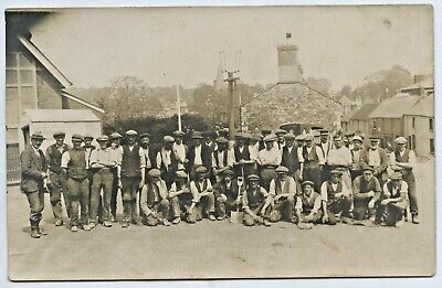 1923 Rp Postcard Gas Fitters Laying Gas Mains Pipes Brading Isle Of Wight Uk W95