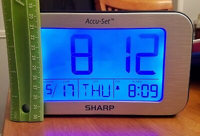 SHARP ACCU-SET DIGITAL alarm clock day date Large easy to read blue