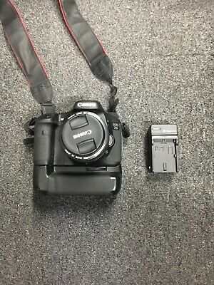 Canon EOS 7D 18 MP CMOS Digital SLR Camera With Lens