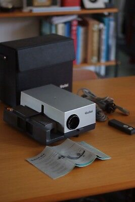 Retro ROLLEI P35A Electric Slide Projector with original Case, Working, Rare VGC