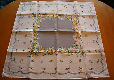 """Printed Tablecloth Tabletop Dollie Forget Me Not, Leacock, 37"""""""