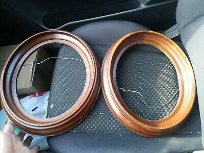Beautiful Pair Antique Matching Walnut Oval Deep Dish Victorian Picture Frames
