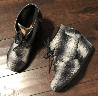 56eceef3cb1d TOMS Wool Desert Wedge black white grey plaid booties boots women s 6.5