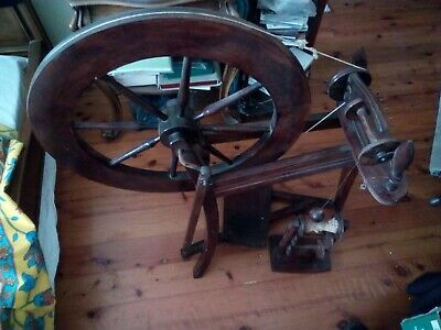 TRADITIONAL SPINNING Wheel.