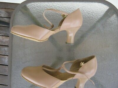 dancing shoes flex sole small heel bloch size 7b t bar style