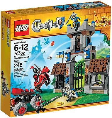 LEGO (Castle) Gatehouse Raid (#70402) New in Sealed Box