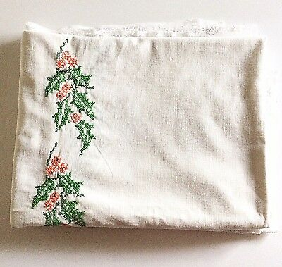 Vintage Christmas Tablecloth Rectangular Embroidered Linens