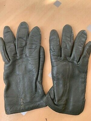 A pair of Green Real Leather  vintage 1960's gloves