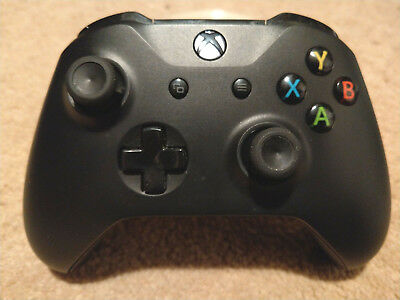 Microsoft Xbox One Wireless Controller - Black - One S / X model, minty lovely