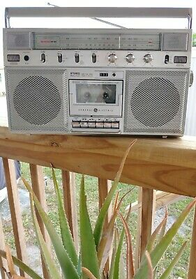 Vintage GE 3-5254A Boombox Ghetto Blaster.  ( 100% WORKING CLEAN )