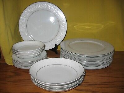 Lot of 22 Carlton Fine China Angelique Pattern Dinner Plates,Bowls ,Bread Plates