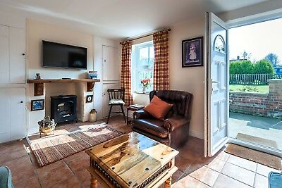 REDUCED! SHORT BREAK 25th - 29th March at Norfolk Dog friendly holiday cottage