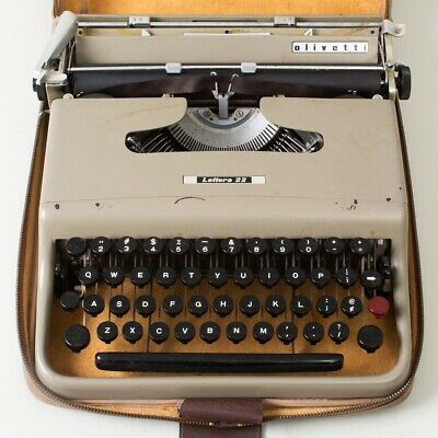 Vintage Olivetti Lettera 22 Portable Manual Typewriter Gray with Original Case