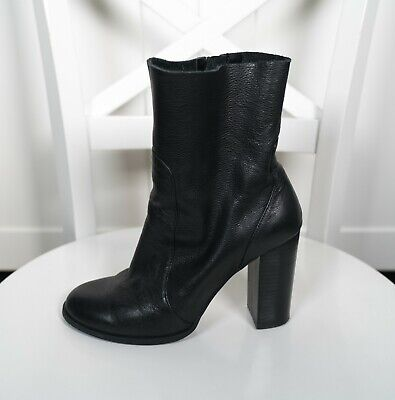 00e4fe0e951 Chinese Laundry Women s Black Leather Boots Size 7 Booties Heels