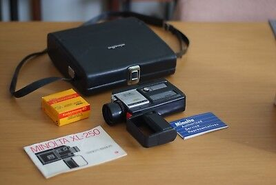 Vintage MINOLTA XL-250 Super 8mm with original leather case rare Made in Japan