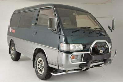 1992 Delica 4WD Turbo Diesel Crystal Lite Roof Cool Box !!!! 1992 Mitsubishi Delica 4WD Turbo Diesel Crystal Lite Roof Cool Box !!!!