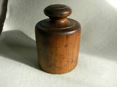 Decorative Vintage Pork Pie Dolly Mould ( See Photos )