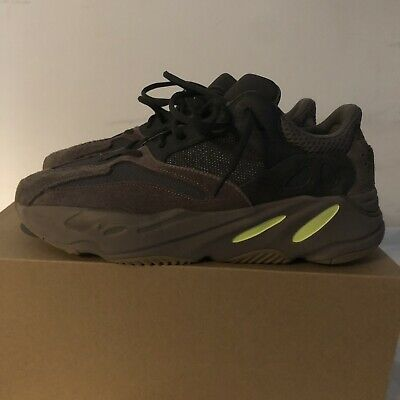 3e08bc1d4e728 ADIDAS YEEZY 700 Muave Size 12 Great Condition -  274.00